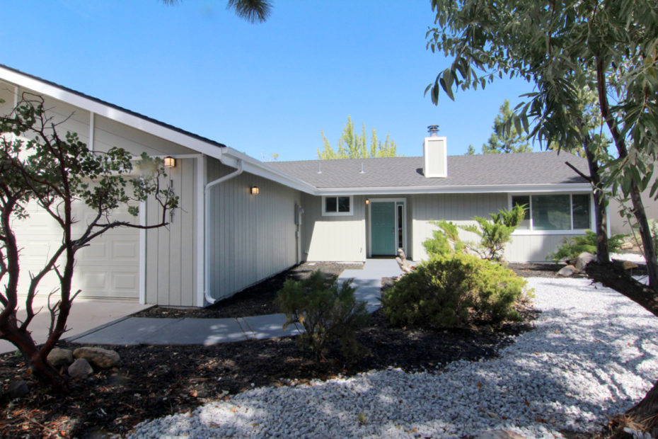 16821 Middlecoff Ct, Weed, CA 96094